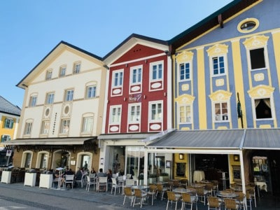 Colourful buildings (blue, yellow, red and cream) in the centre of Mondsee.  We stopped here on our Sound of Music tour
