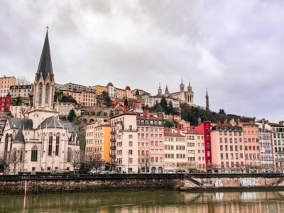 A view of Vieux Lyon across the river with St-Georges church and colourful buildings.  This is one of the nicest views you can see on a weekend in Lyon