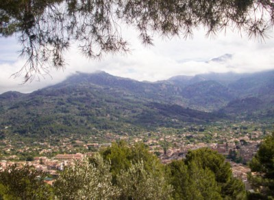 A view of the valleys and mountains that you can see from the Soller railway train